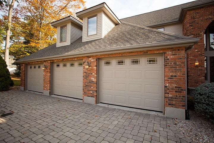 680 Prairie Sandstone Overhead Doors