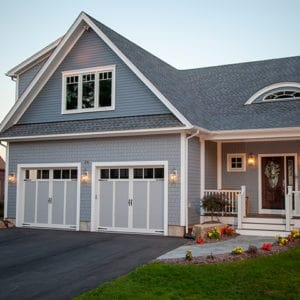 921 3p Gray/White Garage Doors
